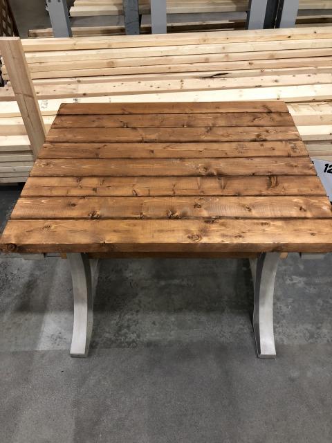 水性クレオトップ ライトブラウンを木製テーブルに塗ってみた